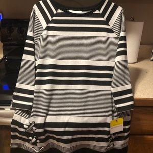 Women's New Striped Top Size Medium
